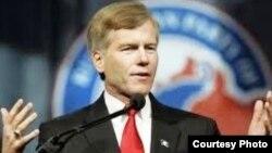 АҚШ-тағы Виргиния штатының бұрынғы губернаторы Роберт Макдоннел. 8 қараша 2010 жыл.