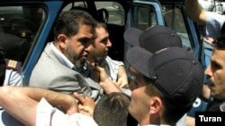 Polis jurnalistlərinin aksiyasını dağıdır. 14 iyun 2007-ci il