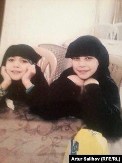 Фатима и Майсарат Салиховы в Табке