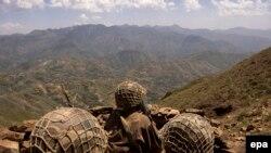 پاکستاني پوځ په ۲۰۰۹ ميلادي کال کې د سوات د وسله والو طالبانو پر ضد عمليات پیل کړل.(فايل فوټو)