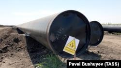 Construcția tronsonului sârbesc al gazoductului Turkish Stream. Lângă Pancevo, Voivodina, 21 iulie 2019