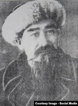 Актан Тыныбек уулу, залкар манасчы, дастанчы, акын жана комузчу өнөрпоз