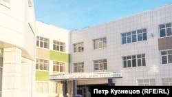 """Здание школы """"Айыы Кыhата"""""""