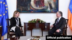 Федерика Могерини и Эдвард Налбандян, Ереван, 1 марта 2016 г.