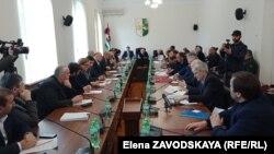 Депутаты решили создать еще одну комиссию для всестороннего изучения вопроса разведки и добычи нефти в Абхазии