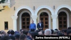 Алан Тадтаев и Анатолий Бибилов на митинге 4 сентября (иллюстративное фото)
