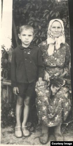 Параска Григоренко зі своїм сином