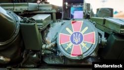 Танк під час військового маршу з нагоди Дня захисника України. Львів, 14 жовтня 2018 року