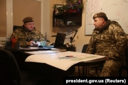 Президент Петро Порошенко та міністр оборони Степан Полторак