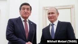 Сооронбай Жээнбеков и Владимир Путин в Кремле. Москва, 11 июля 2019 года.