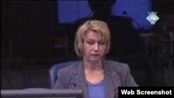 Svjedokinja Esma Palić na suđenju Zdravku Tolimiru u Haškom sudu, optuženom za zločine protiv čovječnosti, genocid i ratne zločine, 27. travanj 2011.