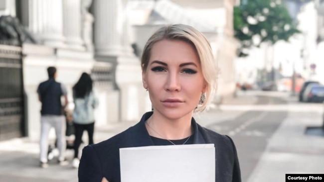 Алена Попова.