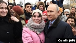 Президент России Владимир Путин во время поездки в Иваново