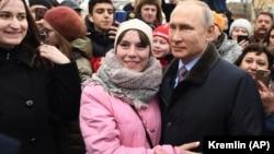 Vladimir Putin martın 20-də İvanovoda görüşdə olub