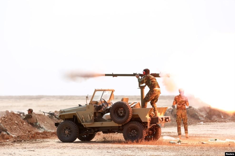 نیروهای سپاه بدر، شبهنظامیان شیعه عراق در حال تمرینهایی قبل از نبرد موصل