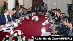 ممثلو أحزاب كردية يناقشون آفاق التفاوض مع بغداد
