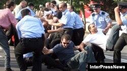 Часто использовались задержания, как способ влиять на предвыборную ситуацию