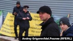 """Протестующие в Осиново: """"Мы не тараканы, чтобы нас травили!"""""""