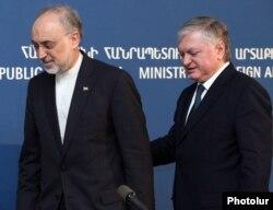 Armenia - Foreign Minister Edward Nalbandian (R) and his Iranian counterpart Ali Akbar Salehi meet in Yerevan, 8Nov2011.