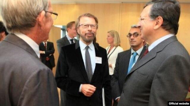 Jose Manuel Barroso la întîlnirea cu reprezentanții culturii europene, între care un membru al grupului Abba