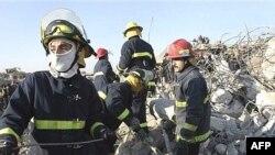 آتش نشانی های عراقی در موصل. عکس از خبرگزاری (AFP).