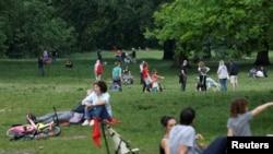 Një park në Francë gjatë kohës së pandemisë.