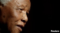 Nelson Mandela u junu 2003.