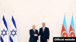İlham Əliyev İsrail prezidenti Şimon Peresi qarşılayır, 28 iyun 2009