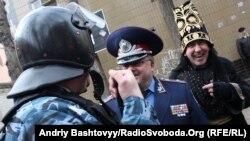Під стінами Лук'янівського СІЗО «Остання барикада» провела зірковий вертеп