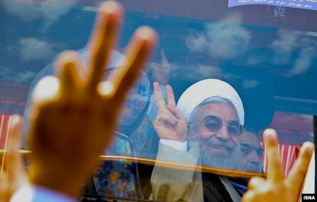 Массовые уличные празднества по случаю победы Рухани на выборах в Иране