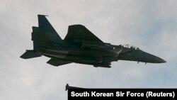Літак F-15 ВПС Південної Кореї під час навчань, ілюстративне фото
