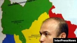 Речь идет о проживающих в Северной Осетии гражданах России Владимире Санакоеве и братьях Каркусовых - бывших участниках так называемого «альтернативного правительства ЮО»
