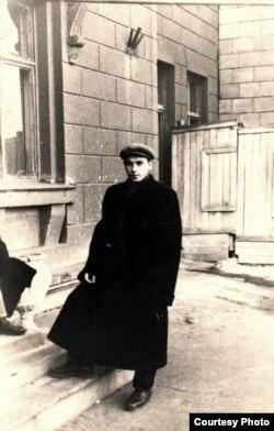 Такім 19-гадовы Мікалай Блашко трапіў у Менск. 1955 год