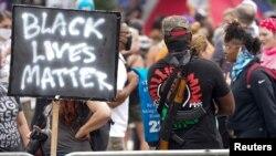Хиляди хора се събраха в Луисвил, за да настояват за расова справедливост