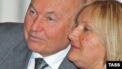 Մոսկվայի նախկին խաղաքապետ Յուրի Լուժկովն իր կնոջ՝ Ելենա Բատուրինայի հետ, արխիվ