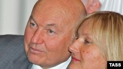 Former Moscow Mayor Yury Luzhkov (left) with his wife Yelena Baturina (file photo)