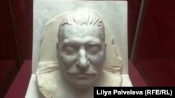 Посмертна маска Сталін