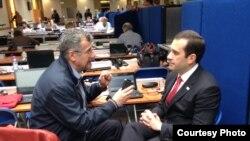საქართველოს თავდაცვის მინისტრი ირაკლი ალასანია (მარჯვნივ) და რადიო თავისუფლების კორესპონდენტი კობა ლიკლიკაძე. ბრიუსელი, 4 ივნისი.