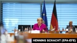 Германската канцеларка Ангела Меркел на редовен состанок на владата, Берлин, април 2020