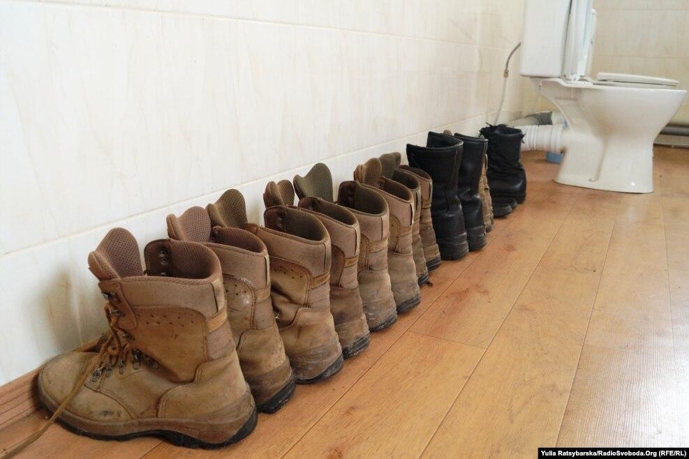 У санвузлі «провітрюється» взуття