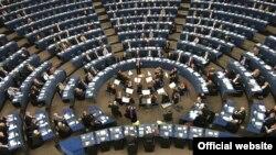 بر اساس اين طرح، اتحاديه اروپا هر سال نام آن دسته از کشورهايی که سانسور دولتی خود را به اينترنت نيز گسترش داده اند، در يک ليست سياه معرفی می کند. (عکس: official website)