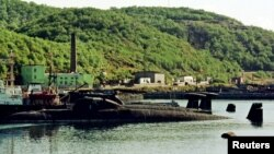 Кладбище списанных подводных лодок в Видяево в 80 километрах от Мурманска