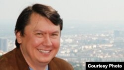 Нұрсұлтан Назарбаевтың бұрынғы күйеу баласы, шетелде қуғында жүрген Рахат Әлиев.