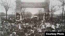 Nicolae Iorga și Ion Inculeț în campanie electorală la Orhei (Sursă: I. Țurcanu, M. Papuc, Basarabia în actul Marii Uniri de la 1918)