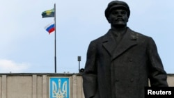 Мешанина символов - характерный признак постсоветского мира