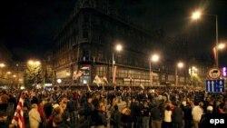 Мирная демонстрация, приуроченная к годовщине венгерского восстания, переросла в погромы, организованные противниками премьера