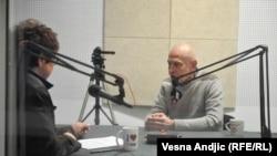 Boleo me je razlaz sa prijateljima: Lazar Stojanović sa novinarkom RSE Brankom Mihajlović