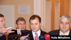 Moldova - Mihai Ghimpu, Vlad Filat, Serafim Urechean, Chisinau Chisinau, 24April2009