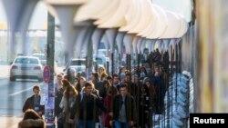 Германия, шествие вдоль бывшей Берлинской стены. 07.11.2014