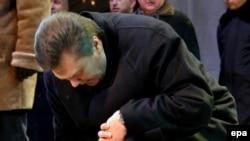 Украинский премьер (на фото) потерял второго своего соратника: 17 января, возвращаясь с охоты, погиб руководитель избирательной кампании Партии регионов Евгений Кушнарев
